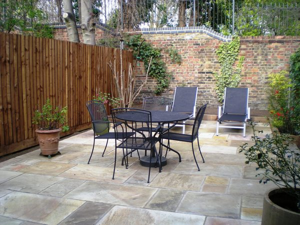 Patio pathway installers builders orpington bromley for Garden designs with patio