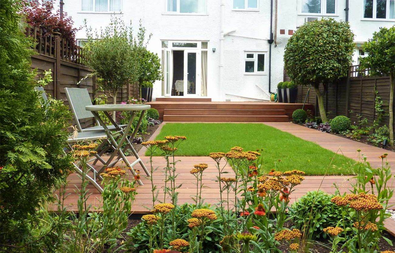 Garden decking installers orpington bromley beckenham for Small garden plans uk
